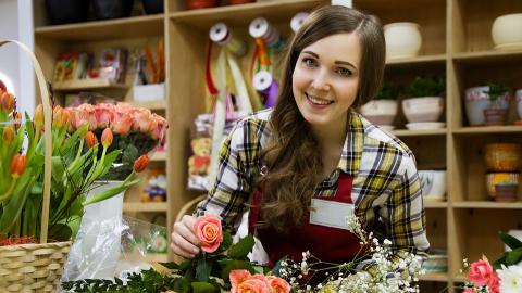Působí na klienty čeští prodejci šťastněji než jejich slovenští kolegové?