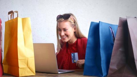 Průzkum: Jak jsou zákazníci spokojeni s českými e-shopy a doručovacími službami?